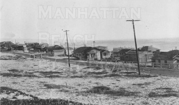 View of Highland Ave., from Rosecrans Ave. (at the Manhattan Beach sign) to 42nd. St.  Note inexpensive El Porto beach cottages. El Porto was unincorporated until 1981 when it was annexed to Manhattan Beach.