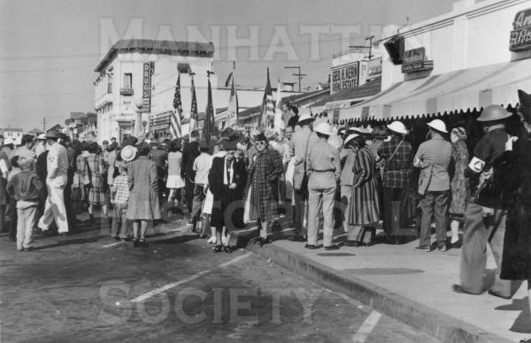 Patriotic rally during World War II on Manhattan Ave. just south of Center St. (presently Manhattan Beach Blvd.