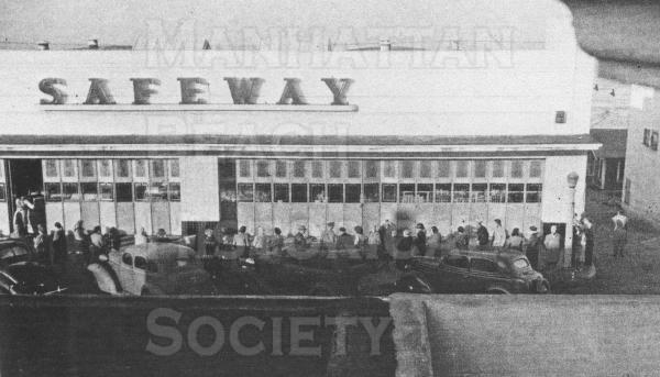 A queue for rationed meat during World War II.  The Safeway market was located at 1025 Manhattan Ave.