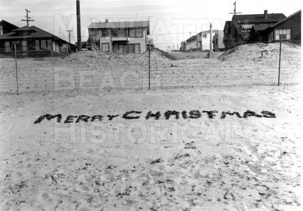 Beach at foot of 7th St., Christmas 1948.