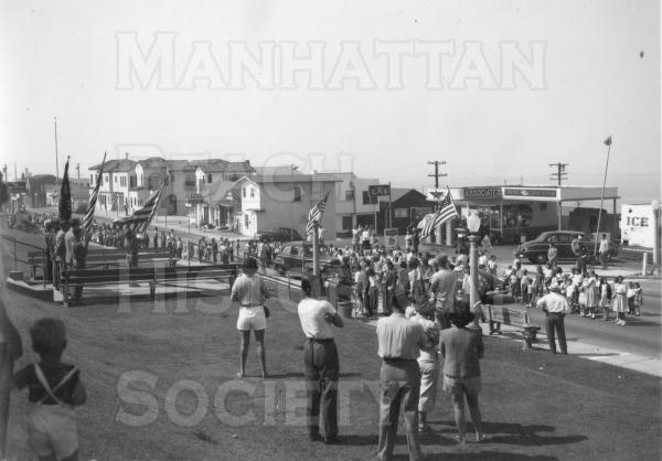 July 4 Parade in 1948.   Location: the west lawn of the City Hall.