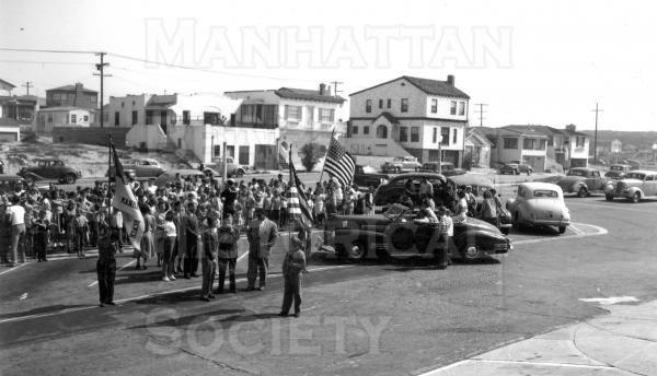 July 4 Parade in 1948   Location: the parking lot between the City Hall and 15th St.